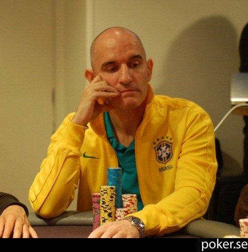Garyknife poker
